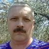 олег, 55, г.Богучар